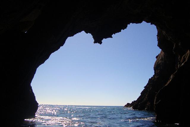 las-cuevas-marinas-de-la-costa-brava