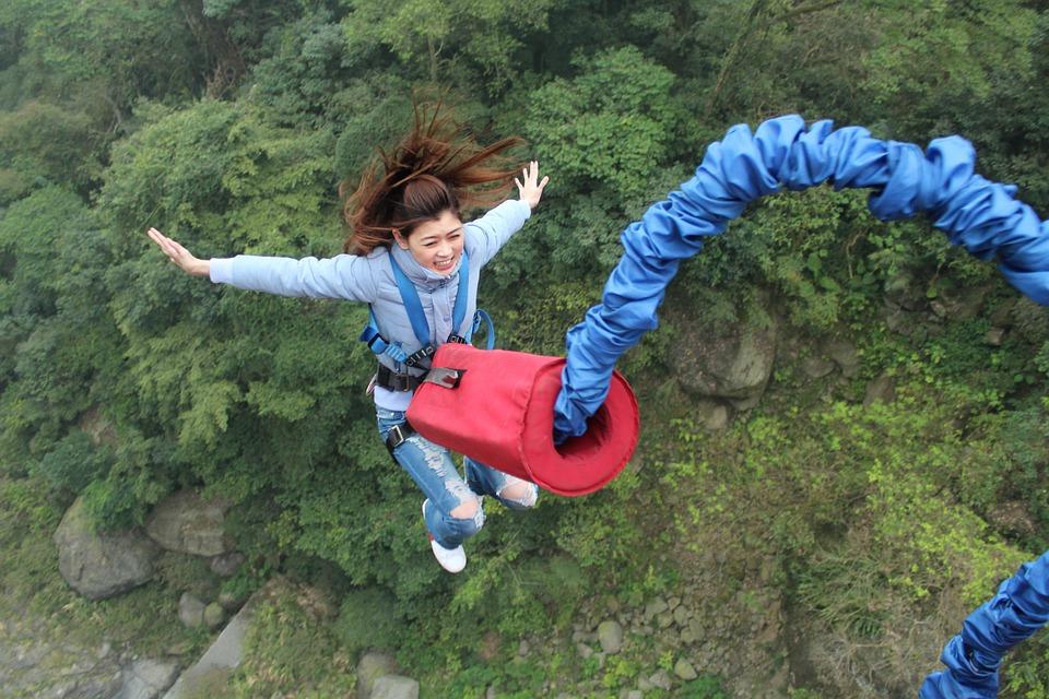 donde-hacer-bungee-jumping-en-cataluna