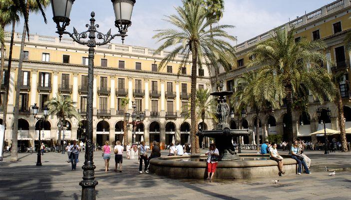 descubre-el-distrito-de-ciutat-vella-en-barcelona
